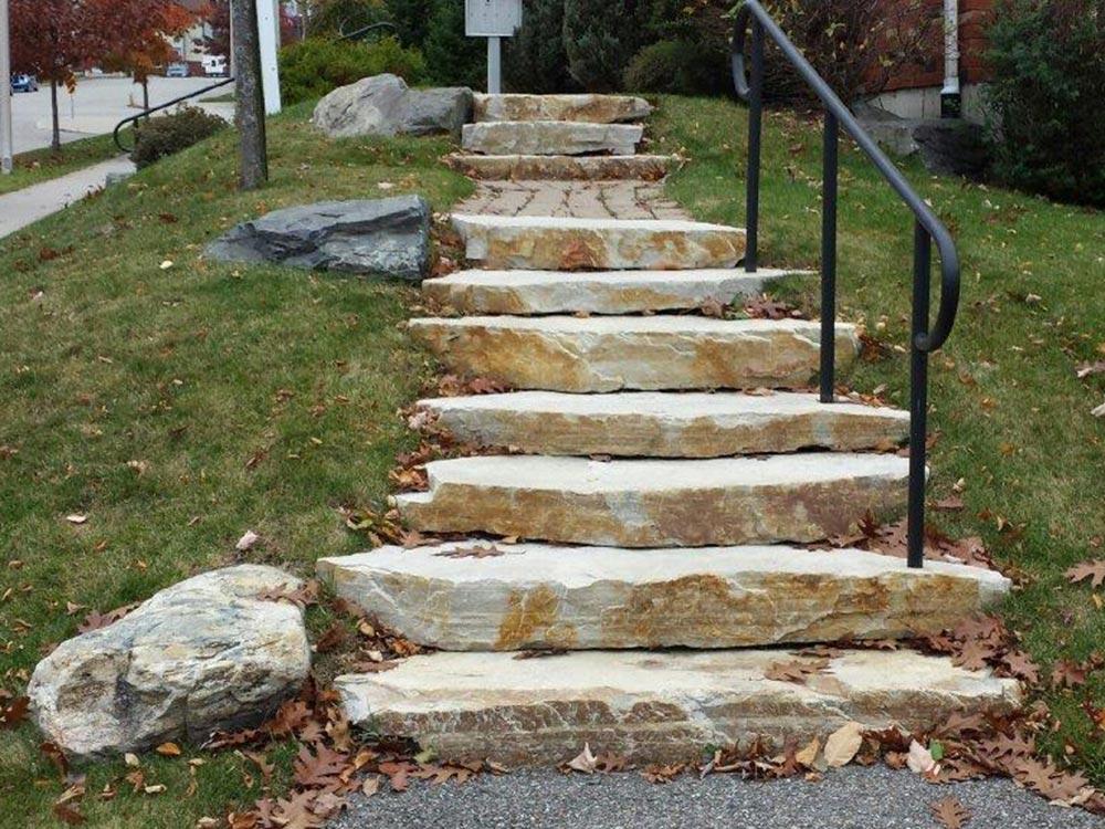 escalier roches droites